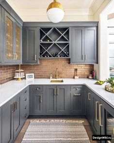 Below are the Chic Farmhouse Kitchen Cabinets Makeover Ideas. This article about Chic Farmhouse Kitchen Cabinets Makeover Ideas was posted Home Decor Kitchen, Kitchen Furniture, Kitchen Interior, New Kitchen, Kitchen Ideas, Kitchen Flooring, Kitchen Backsplash, Design Kitchen, Kitchen Hacks