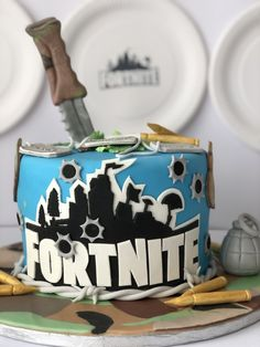 Una festa di compleanno a tema Fortnite - The Partytude Diaries Party Ideas, Cakes, Blog, Party, Cake Makers, Kuchen, Cake, Blogging, Ideas Party