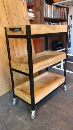 Things That You Need To Know When It Comes To Industrial Decorating You can use home interior design in your home. Diy Pallet Furniture, Small Furniture, Metal Furniture, Diy Interior, Home Interior Design, Pallet Barn, Wood Display, Industrial Style, Wood Projects