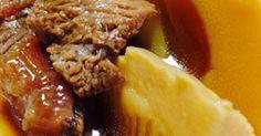 トロッとした牛すじと旨味の染みた筍。おつゆもとても美味しいです。若者も満足!