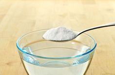 魔法水の作り方 <材料> 食器用中性洗剤…3滴 衣類用酸素系液体漂白剤…小さじ3杯 重曹…小さじ1 水は不要