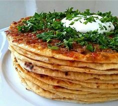 Kayseri Yağlama Tarifi Good Food, Yummy Food, Turkish Recipes, Mediterranean Recipes, Kitchen Recipes, Breakfast Recipes, Food And Drink, Favorite Recipes, Snacks