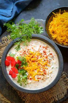 Kaddu ka Raita or Pumpkin Raita is easy to make accompaniment made using fresh pumpkin, yogurt, and spices and it goes very well with Indian meals. Here is how to make it. Carrot Recipes, Yogurt Recipes, Pumpkin Recipes, Pumpkin Yogurt, Pumpkin Salad, Oats Recipes Indian, Ethnic Recipes, Vegetarian Recipes, Cooking Recipes
