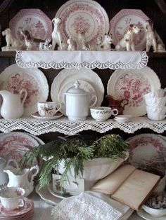 French Country Decor: Transferware might be Clarice Cliff which is English. Cottage Christmas, Old Christmas, Xmas, Vintage Dishes, Vintage China, Vintage Dishware, Shabby Cottage, Cottage Style, Shabby Bedroom