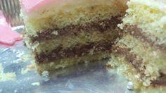 rieccomi ,dopo un po di assenza,x completare la ricetta della torta dei 19 anni ed inizio subito col PDS BIMBY con il lievito:6 uova 250 zucchero semolato