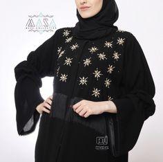 Masa Abaya Modern Abaya, Black Abaya, Abaya Style, Abaya Fashion, Abayas, Caftans, Designer Dresses, Dubai, Stitching
