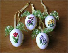 Пасхальная вышивка яйца