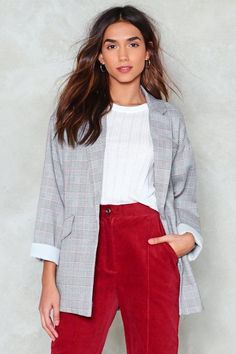 Nasty Gal nastygal Stop Checking Up on Me Oversized Blazer Grey Blazer Outfit, Blazer Outfits, Work Outfits, Mtv, 1980s Trends, Summer Business Casual Outfits, Jacket Pattern, Blazer Pattern, Checked Blazer