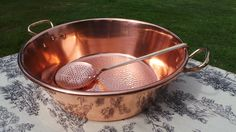 The thicker the copper the more even the distribution of heat Copper Utensils, Copper Pans, Copper And Brass, Antique Copper, Bronze, Toy Kitchen, Kitchen Items, Kitchen Gadgets, Kitchen Utensils And Equipment