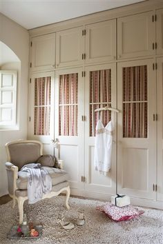 Great idea- Floor to Ceiling Built ins (Dressing Room) Bedroom Closet Design, Bedroom Decor, Bedroom Closets, Dressing Room Closet, French Country Bedrooms, Built In Wardrobe, Contemporary Interior Design, House Rooms, Beautiful Interiors