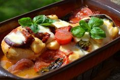 Mediterrán töltött csirkemell Feta, Chili, Chicken Recipes, Food And Drink, Turkey, Soup, Mint, Lunch, Dinner
