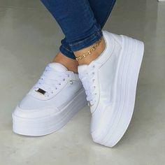 sale retailer be931 521a4 Pin von Laia Mallafré auf zapatos   Zapatos nike, Zapatos nike mujer und  Zapatos