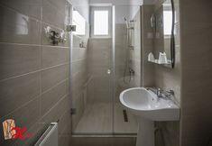 cabina de dus din sticla securizata Bathtub, Bathroom, Design, Cabin, Standing Bath, Washroom, Bathtubs, Bath Tube, Full Bath