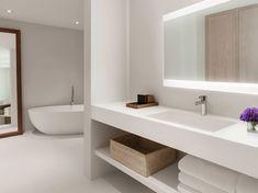 Bathroom-MiamiBeachEdition-Florida-CRHotel.jpg