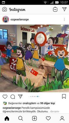 Preschool Classroom Decor, Classroom Board, Preschool Activities, Class Door Decorations, School Board Decoration, New Crafts, Paper Crafts, Kindergarten Photos, Back To School Special