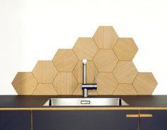 Mooi keuken backsplash uit geoliede eiken 6hoeken, Nicolai Bo DK