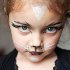 45 Cute Children's Halloween Makeup Ideas To Try Nail and Make Up # Halloween Face Paint Scary, Cat Halloween Makeup, Halloween Cans, Halloween Costumes For Girls, Halloween Party, Cat Costume Makeup, Cat Costume Kids, Cat Eye Makeup, Cat Costumes