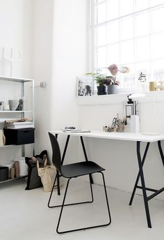 If your home office is going to be the one place where you spend most of your day, then it should be dressed appropriately, right? A home office needs to b. Home Office Space, Home Office Design, Home Office Decor, Office Ideas, Office Workspace, Office Style, Desk Space, Workspace Inspiration, Interior Inspiration