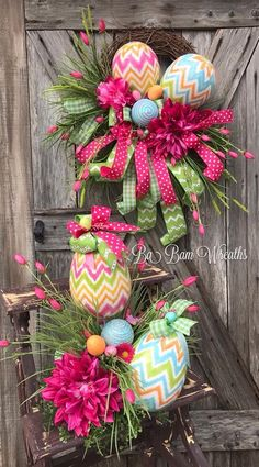 Easy DIY Easter Wreaths for Front Door - Castle Random Easter Wreaths, Holiday Wreaths, Holiday Crafts, Diy Spring Wreath, Spring Crafts, Diy Easter Decorations, Easter Centerpiece, Do It Yourself Home, Easter Crafts