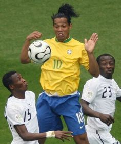 Octavos: Brasil 3 vs 0 Ghana (Germany/2006) Ghana Football, World Cup, Germany, Sports, Soccer, Hs Sports, World Cup Fixtures, Deutsch, Sport
