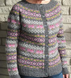 Sydkoster by Le na Wasshede Icelandic Sweaters, Knitting Machine Patterns, Fair Isle Pattern, Fair Isle Knitting, Mantel, Lana, Knitwear, Knit Crochet, Couture