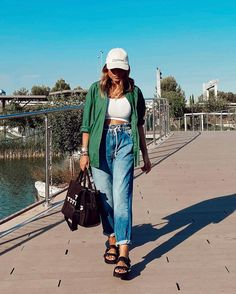 Mom Jeans, Summer Outfits, Spring Summer, Sporty, Pants, Instagram, Fashion, Trouser Pants, Moda