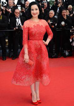 Dita Von Teese porte une robe Elie Saab - Marie Claire