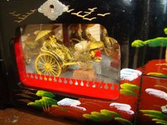 Vintage-Japan-Jewelry-Music-Box-Large-Oriental-Black-Lacquer-Rickshaw-In-Glass
