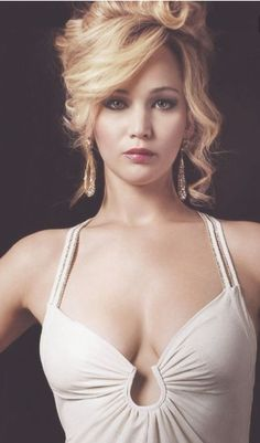 Jennifer Lawrence - Showgirl 1 (Witch 1)