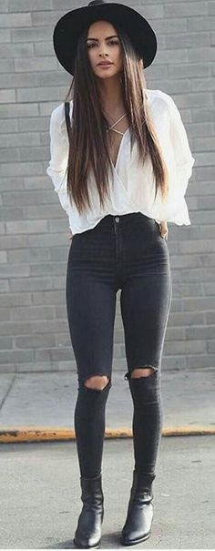 Estilo original de moda hipster para mujer - Source by deeronmoon outfits hipster Hipster Fashion Style, Look Fashion, Trendy Fashion, Winter Fashion, Womens Fashion, Fashion Spring, Fashion Black, Classy Fashion, Trendy Style