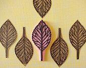 sello de goma carvado a mano de una hoja - sello de hoja de otoño