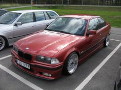 Sierrarot BMW e36 coupe on cult classic BBS RS212 wheels (8,5x17 et13)