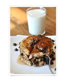 chocolate-chip-oatmeal-pancakes:  Whole-Grain Breakfasts - mom.me