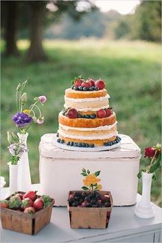 Organic picnic wedding for two. #weddingchicks Captured By: Mark Potter http://www.weddingchicks.com/2014/09/03/picnic-wedding-for-two/