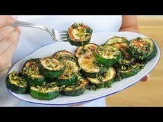 Nigdy nie jadłam tak pysznej cukinii! Hiszpańska cukinia czosnkowa. Świeże przepisy - YouTube Vegetable Dishes, Vegetable Recipes, Vegetarian Recipes, Fresco, Tapas, Chili, Spanish, Veggies, Menu