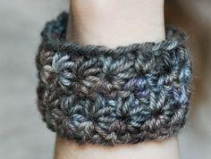 Fuente: http://madewithlove.fr/elise-ecrit-des-tutos/tutoriel-le-bracelet-star/