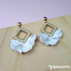 Fabric Jewelry, Diy Jewelry, Jewelry Gifts, Jewelery, Handmade Jewelry, Fashion Jewelry, Beaded Earrings, Gifts For Friends, Coin Purse