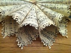 Music Sheet confetti cones/ favour with leaf/lace by feltrose