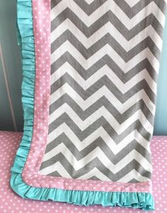 chevron baby blanket.... who wants to make this for Cooper?