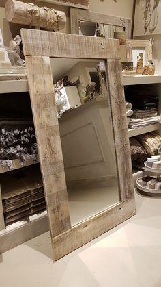 Home Design Diy, Diy Home Decor, Room Decor, House Design, Barn Board Projects, Barn Wood Frames, Wood Mirror, Instagram Design, Living Room Furniture