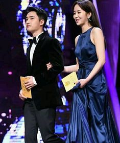 "Do Kyungsoo and Kim So Hyun are presenting ""Best New Male Actor & Actress"" at Blue Dragon Films Award Child Actresses, Actors & Actresses, Kim So Hyun Fashion, The Last Princess, Amsterdam Photography, Kim Sohyun, Do Kyung Soo, Korean Couple, Ulzzang Couple"