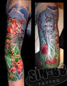 tattoo let your body be a canva Sleeve Tattoos For Women, Tattoos For Guys, Cool Tattoos, Tatoos, Animal Sleeve Tattoo, Animal Tattoos, Tattoo Shop, I Tattoo, Farm Tattoo