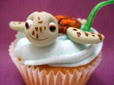 Disney Finding Nemo Squirt Cupcake  by: thecupcakegang.blogspot.com via thecupcakeblog.com