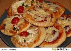 Slané koláč ky z DP recept - TopRecepty. Bread Baking, Easy Dinner Recipes, Ham, Pizza, Food And Drink, Snacks, Meals, Cooking, Breakfast