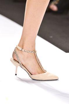 Tendencia Primavera 2013 zapatos tacon bajo - Academy of Art