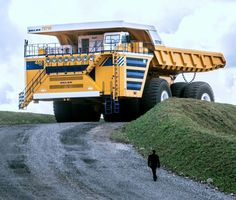 Belaz 75710 Supertruck designed to work temperature for -50-50°C, altitude up to 16.000 ft, huge dumper lorry, can carry 450 tons of debries and 8 meters high.