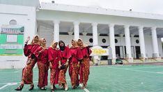#instagram #inspirasikebaya #kebayamodern #kebaya #kebayahijab #reddress #bridesmaids