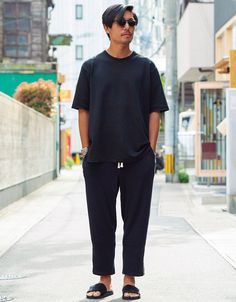 Japan Men Fashion, Boy Fashion, Mens Fashion, New Outfits, Cool Outfits, Color Combinations For Clothes, Looks Black, Business Outfits, Gentleman Style