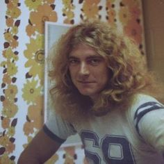 Robert Plant - great casual pic!
