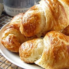 Fresh and fluffy homemade croissants that will melt in your mouth. Our Daring Bakers monthly challenge.